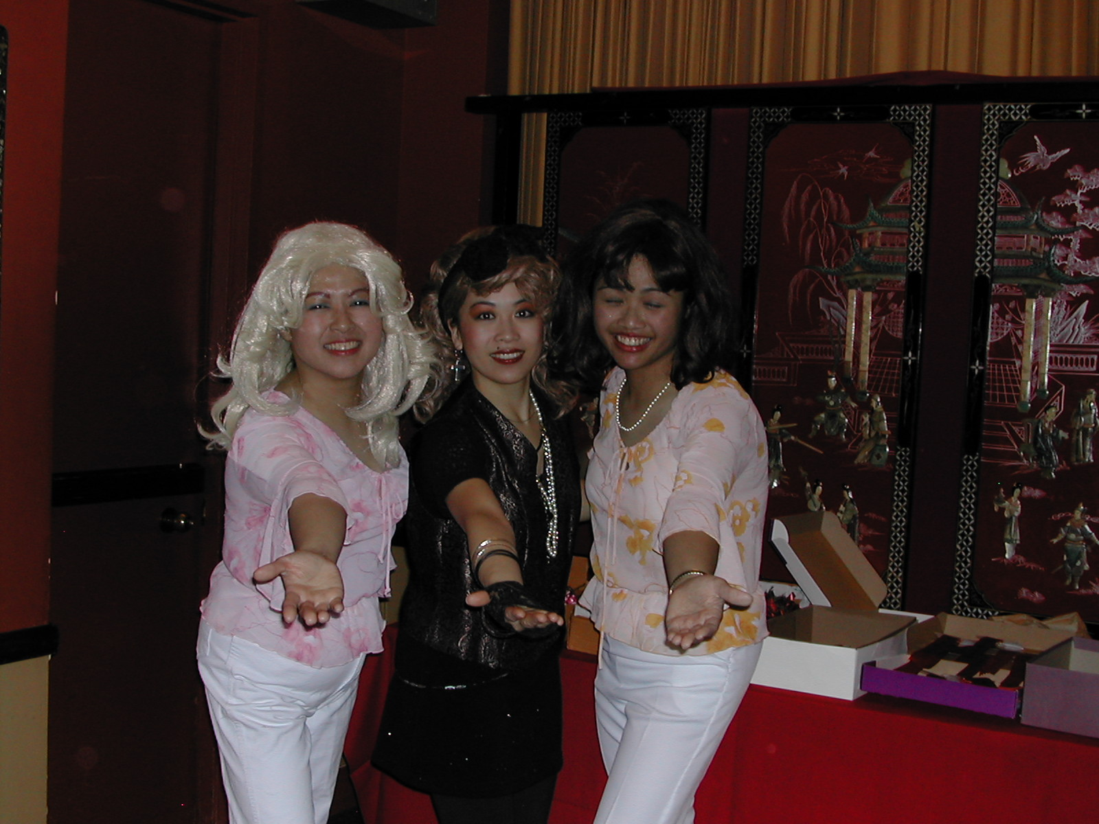 Juli Jung as Madonna (mid) flanked by ABBA